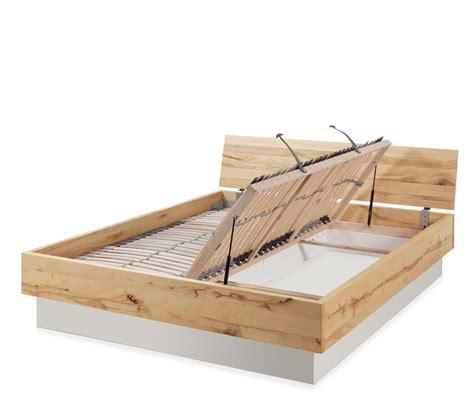 Massivholzbett Mit Bettkasten by Massivholzbett Mit Bettkasten Und Lattenrost Patea