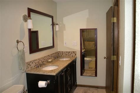 Bathroom Vanity Backsplash Ideas by Backsplash Is Paints For An Inexpensive Update From
