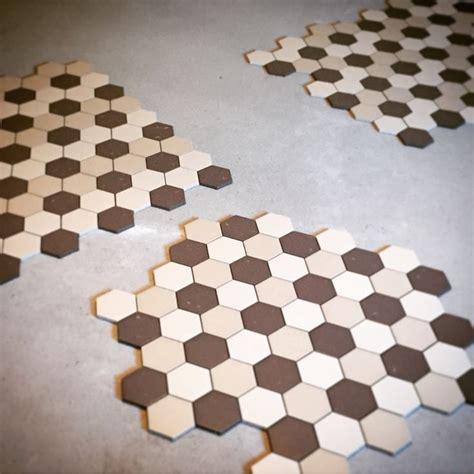 fliese hexagon 116 best images about hexagonal floor tiles on
