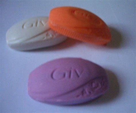gambar terkait sabun bahan  membuat kerajinan tangan