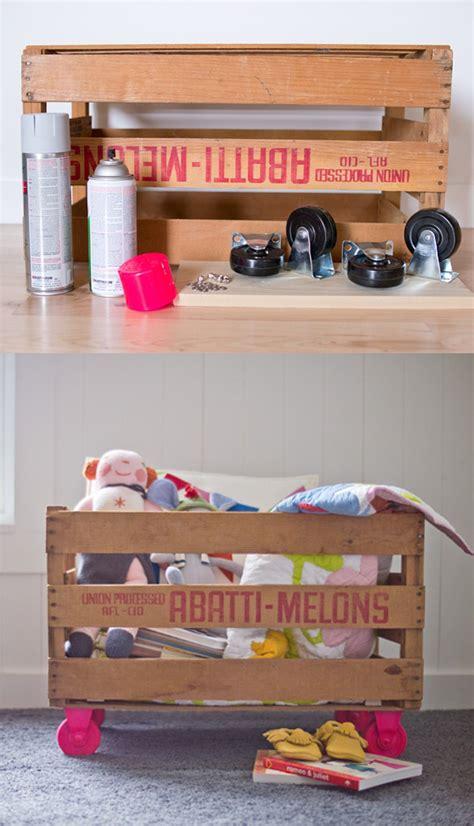 como decorar una caja para guardar juguetes reciclar una caja de frutas para guardar juguetes diy