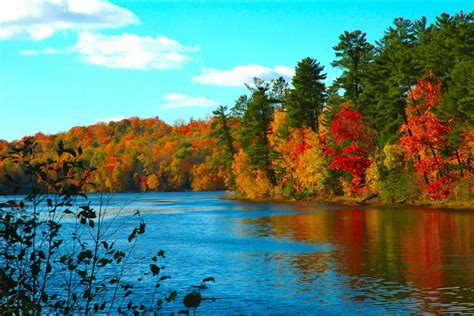 wallpaper free autumn autumn landscapes wallpapers colorful fall landscapes
