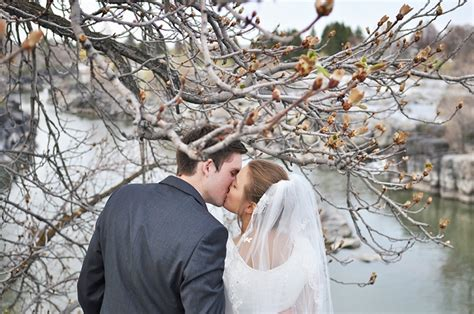 Wedding Podcast Choosing The Photographer Thats Right For You by How To Choose Your Wedding Photographer
