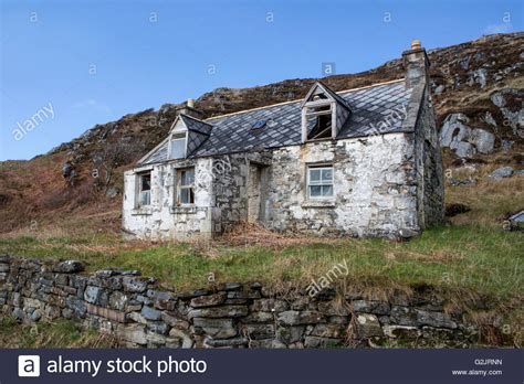 derelict cottage in the highlands of scotland stock photo
