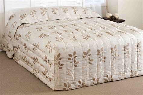 Fitted Bedspreads With Charming Fitted Bedspreads New