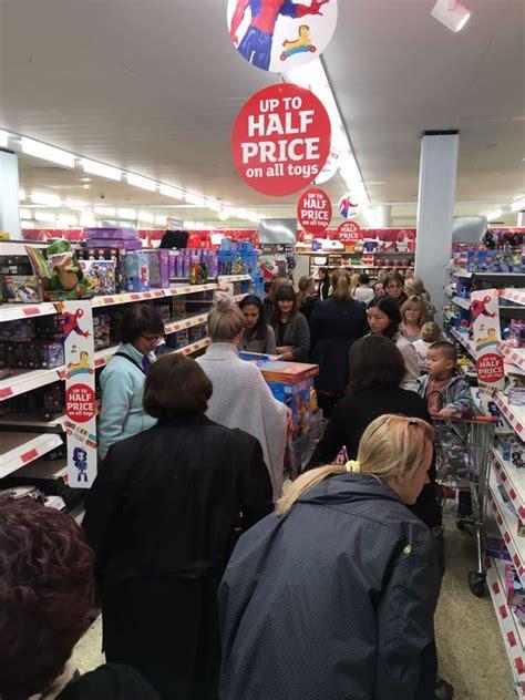 scuffle  chelmsford sainsburys  parents battle