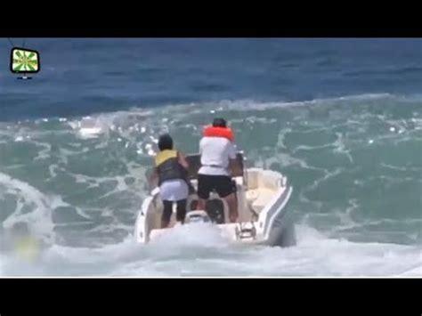 epic pontoon boats epic boat fail man vs boats 16 avalon luxury pontoons