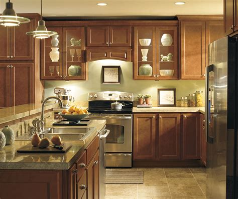 diamond prelude kitchen cabinets diamond at lowes find your style karwin maple tundra