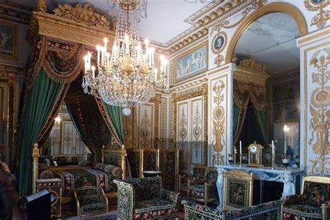 schloss schlafzimmer schloss fontainebleau schlafzimmer bett mit treppchen