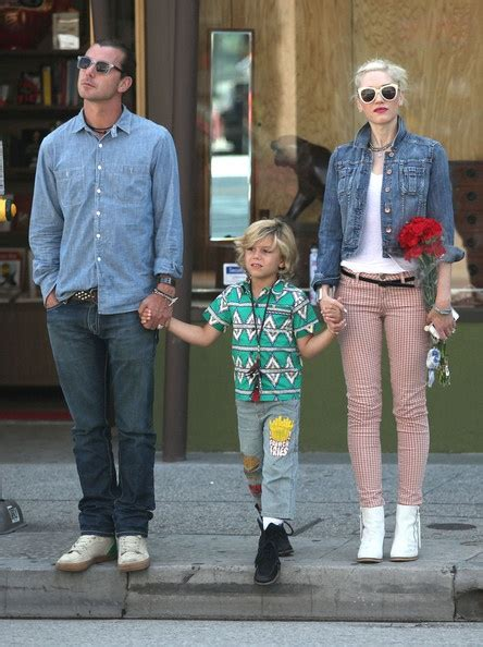 How Gwen Stefani Spent Mothers Day by Kingston Rossdale Photos Gwen Stefani And Family Spend