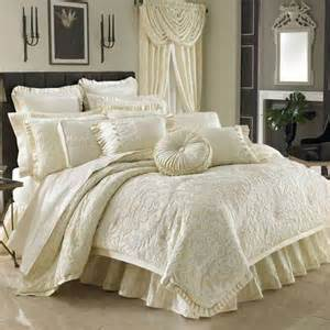 high end bedding high end luxury comforters quilts