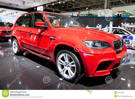 bmw jeep red red jeep car bmw x5 m editorial image image 21037425
