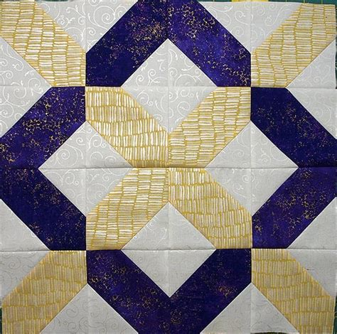 Table Topper Quilt With The Hatchet Template Quilts By Jen Table Topper Template