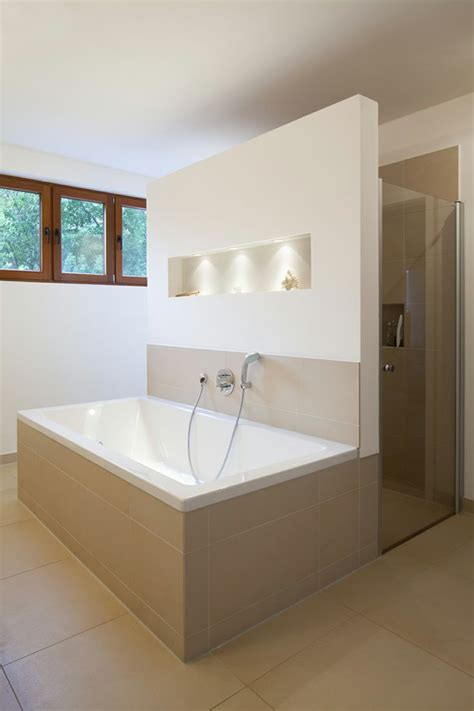 Badezimmer Beleuchtung Wand by Anbau F Neues Gro 223 Z 252 Giges Masterbad Mit Bodengleicher