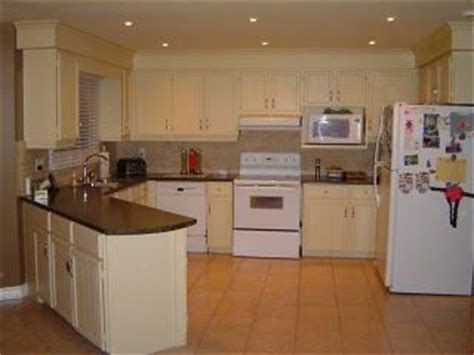kitchen bulkhead ideas this is a great way to disguise the bulkheads in the