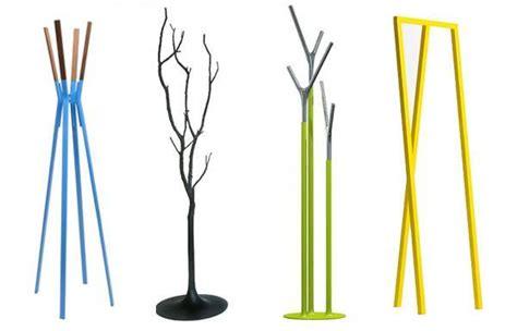 fotos de percheros de pie  modernos de madera