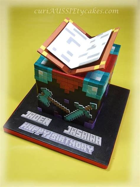 Minecraft Papercraft Cake - the creeper tardis cake neatorama