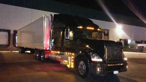 volvo vt  sleeper semi trucks