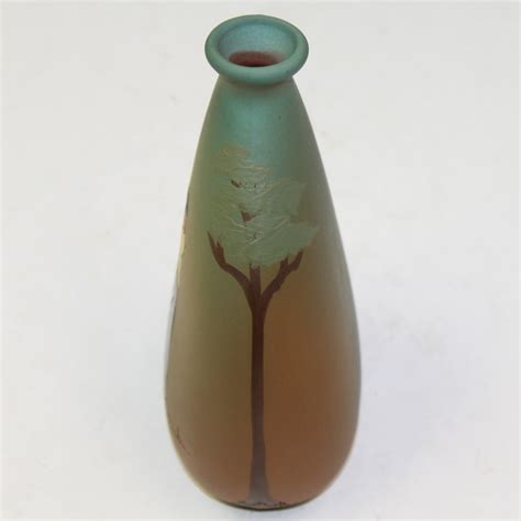 Weller Vase Prices Lot Detail Weller Dickensware Woman Golfer Vase C 1900