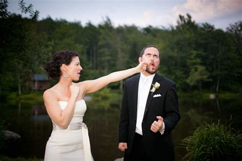 Best Wedding Pictures Of And Groom by 20 Wedding Photos That Failed Hilariously Page 4 Of 5