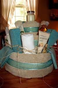 bathroom gift ideas 1000 images about towel gift cakes on towel cakes kitchen towel cakes and spa towels