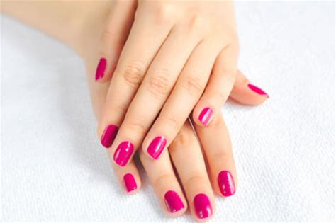 Nägel Lackieren French by 187 Manicure Smalto