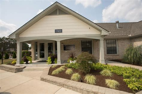 Arbor Garden Townhomes In Greeley Co Cedar Lake Apartments Northville Mi Apartment Finder
