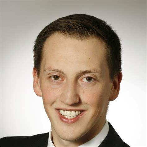 santander bank freiburg telefon ralf schneider referent im risikomanagement santander