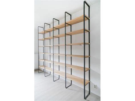 boekenkast staal perfect boekenkast van staal met eikenhouten planken with