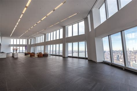 1 wtc floors spend a day on the highest floor of one world trade center