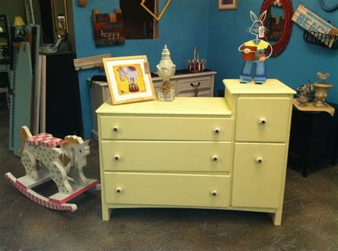 Changing Knobs On Dresser by Folks Changing Table Dresser With