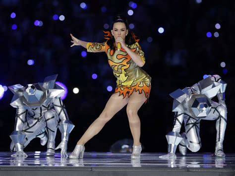 Bowl Wardrobe by Katy Perry Faced From Nfl In Bowl