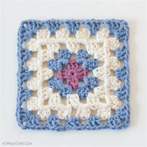 pattern for simple granny square easy classic granny square allfreecrochet com