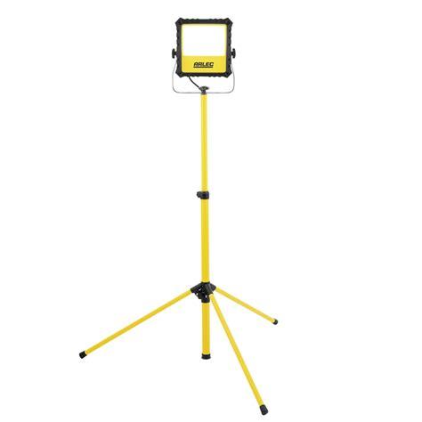 led flood light tripod arlec 45w 3500lm led work light with tripod bunnings