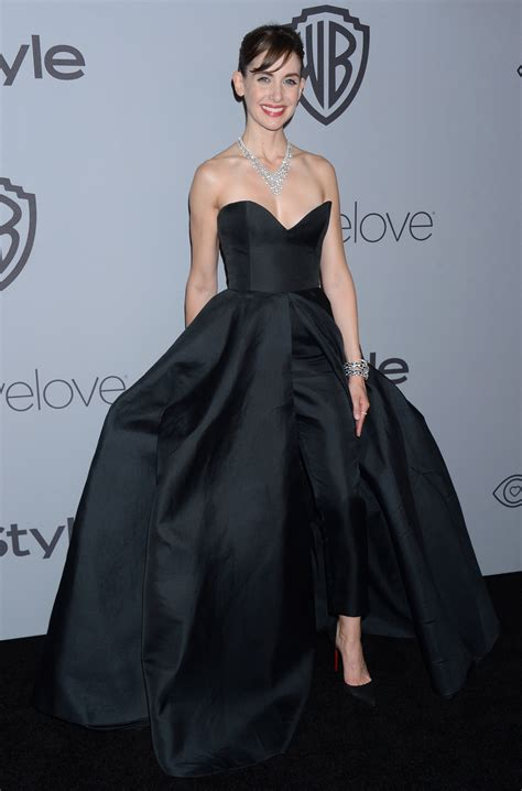 alison brie zoulias stars in black fashion at the golden globes 2018 about her