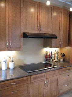 red oak wood saddle shaker door custom kitchen cabinet love these shaker style maple cabinets by kraftmaid