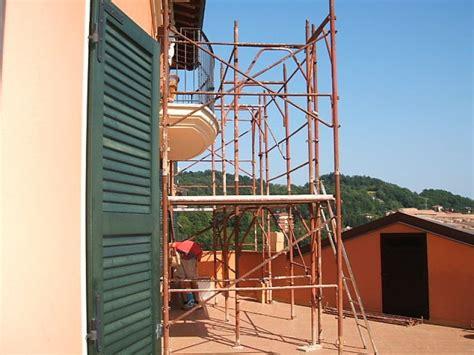 costruzione tettoia costruzione tettoia di protezione sul terrazzo