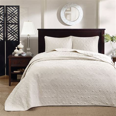 King Bed Coverlet Beautiful Oversize Classic Ivory White Texture Vintage