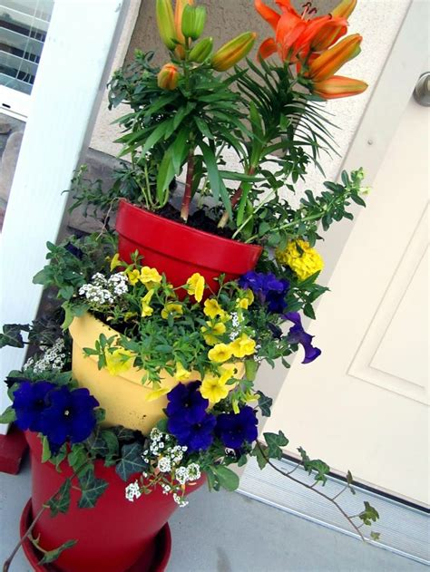 Tiered Flower Planters by 1000 Ideas About Tiered Planter On Vertical