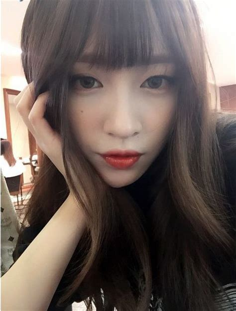 hani exid make up pinterest pale skin red and lips