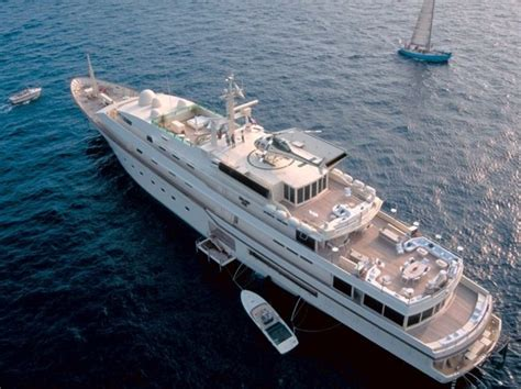 donald trump yacht meet donald trump s former superyacht quot kingdom 5kr