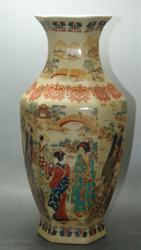 Collectible Pottery Vases by China Porcelain Painted Glaze Porcelain Vases