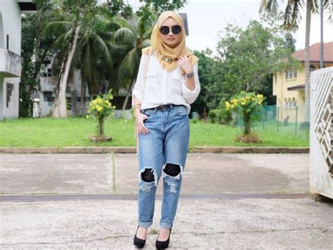 Shjt217112187530 Atasan Kaos Ripped Kasual Black White 10 style buatmu cewek berhijab yang ingin pakai celana