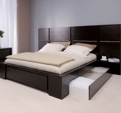 Hotel Bed Frame Hit The Deck With Your New Nautical Bedroom Ideas For