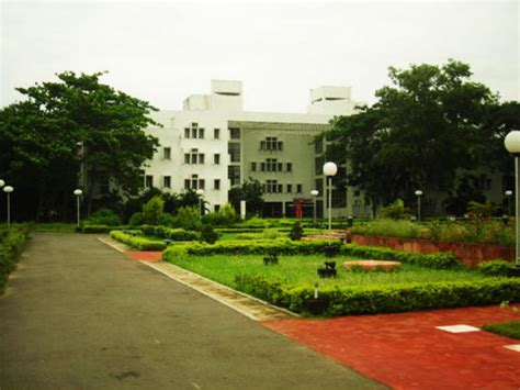 Distance Learning Mba From Iim Indore by Iim Calcutta Expecting Accreditation From Top Two