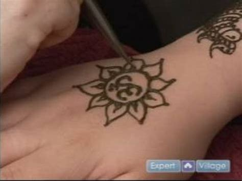 how to draw henna tattoos how to do henna tattoos how to draw a lotus flower