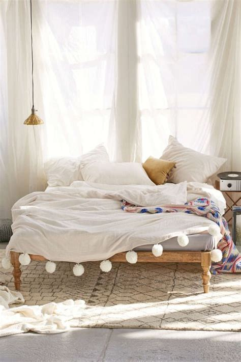 white bohemian bedroom 31 bohemian bedroom ideas decoholic