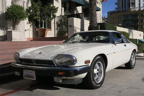 jaguar xjs  sale  hemmings motor news
