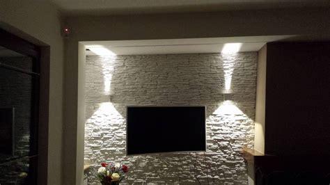 parete soggiorno in pietra il soggiorno rinnovare con la pietra