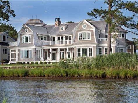 best siding for beach house 25 best cedar shingle homes ideas on pinterest cedar shingle siding brick cottage
